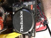 DJ / Music equipment