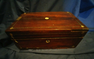 Vintage jewelry / storage box