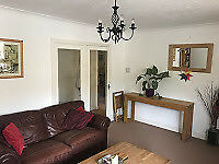 2 bedroom holiday apartment with balcony and allocated parking in central Hove close to amenities