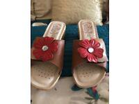Fly Flot leather flower sandal 4
