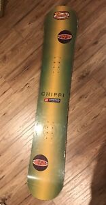USED SNOWBOARD