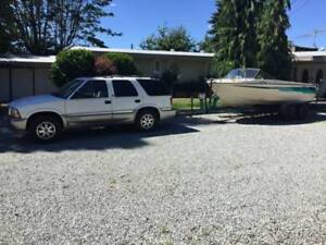 2000 GMC Jimmy SUV, Crossover with 17.6' boat *PACKAGE DEAL*