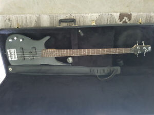 Ibanez SR300 DX L Bass Guitar and Peavey Max 110 Bass Amp