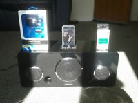 Ipod touch 1st gen.black 8gb gwo with lots songs,brand new charger,rechargeable power bank+ dock stn