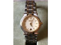 Gucci Timeless 9000L Ladies Dual-Tone Watch in great condition