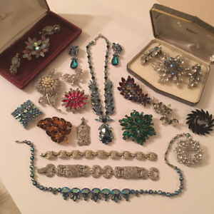 BUYING VINTAGE COSTUME JEWELRY..BROOCHES..EARRINGS..ETC.ETC..
