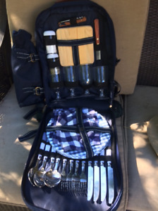 Deluxe Lee Valley Picnic Backpack - barely used