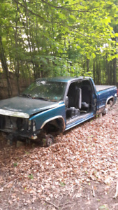 2001 chev truck part out