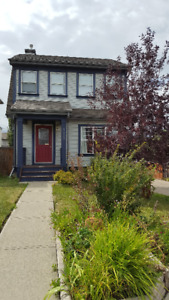 House for rent with fenced yard - **Pet Friendly** Avail Oct 1st