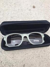 Unisex converse sunglasses