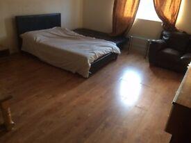 2 BED FLAT SWINDON WEST