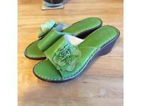 Green wedge sandal - size 4