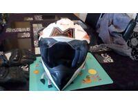 Motorbike helmet/ motorbike gloves