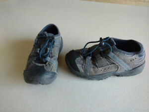 leather hiking shoes, size 10 toddler, $5