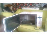 Used, Working Panasonic microwave cooker