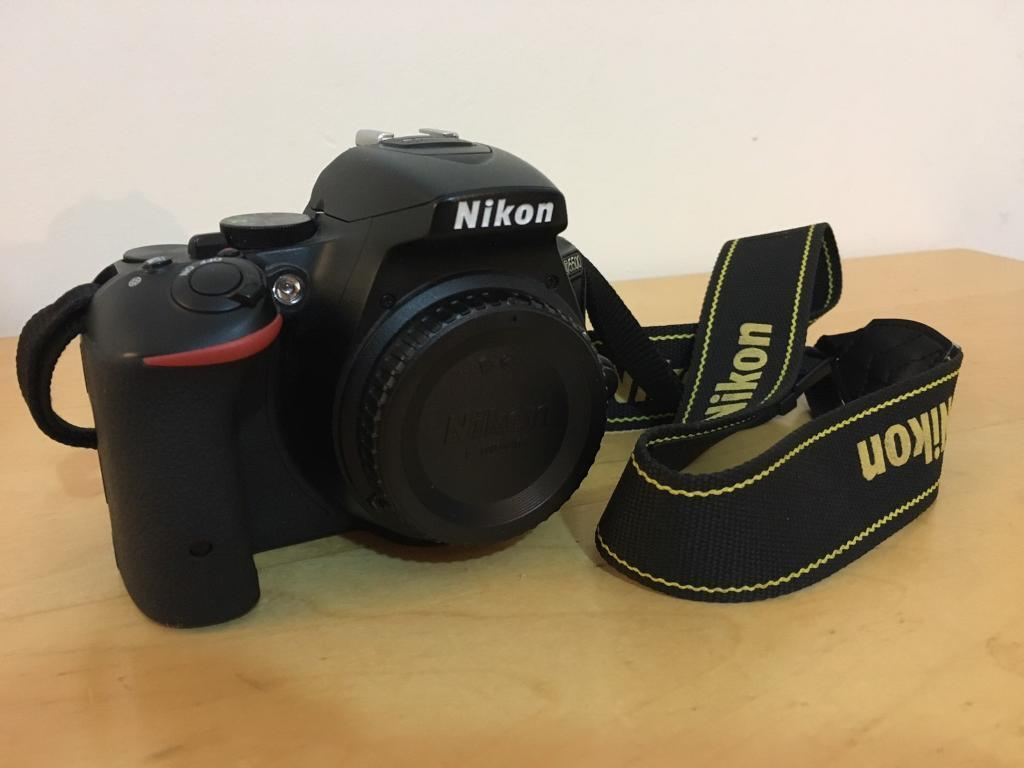 Nikon D5500 body only + 32gb SD card + 3 GIFTS