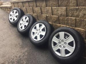 4 pneus d'hiver 215/60r16 Michelin Xice3 sur roues 5x115 GM