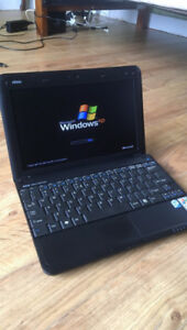MSI Wind u100 netbook laptop 10-inch