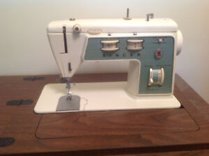 Singer Sewing Machine In Cabinet Model 714