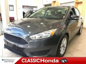 2015 Ford Focus SE | CLEAN CARPROOF | REAR CAM | ALLOYS |
