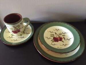 Apple Dishes - set of 4