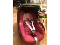 Car seat maxi cosi pebble suitable from newborn till 12 months