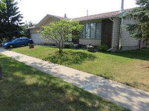 Bungalow in Fort Saskatchewan for Rent or Lease $1400.00