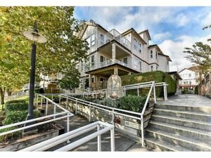 CLOVERDALE- Derby Downs Large 2 bed, 1 and a half bath condo