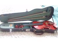 Full size violin, 2 bows + hard case