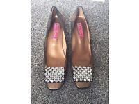 Ipa Nima Shoes - Good Condition