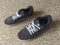 Men's size 7 Adidas trainers