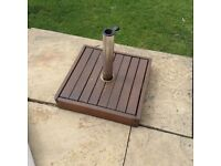 Wooden and chrome garden patio parasol base £10 tel 07966921804