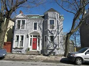LARGE 3 BED CHARACTER FLAT 5 MIN WALK TO DOWNTOWN! UTIL INCLUDED