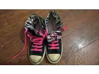 Size 7 Converse Allstar Blondie Hightops