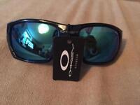 Brand new Oakley sports sunglasses