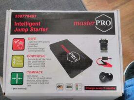 Masterpro 538776491 Intelligent Booster Pack, Jump Starter 800a