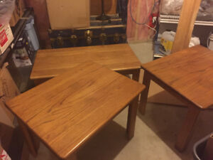 Oak coffee tables and TV Stand / Table and chairs