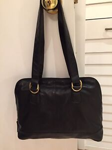 Large off shoulder purse in real leather , like new ( price drop