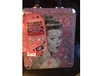soap n glory gift set brand new hard case