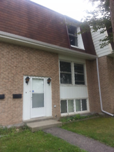 Rent near or close to Conestoga College Doon 9