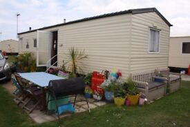 2011 8 berth, Willerby Summer Static caravan on Haven Hopton Site - All site fees paid for 2018
