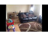 2bed flat in Croydon for 2bed or 3 bed in Surrey