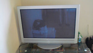 Sony Flat Panel Color TV KE-42TS2 (42' Plasma)