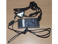 Genuine Dell Laptop Mains Power Adapter / Battery Charger