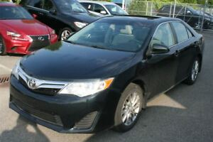 2014 Toyota Camry LE **MAGS/ TOIT** SEULEMENT 62 209KM*