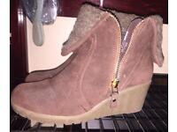 Womens Size8 Boots