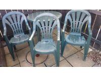 Garden tabl & 3 chairs