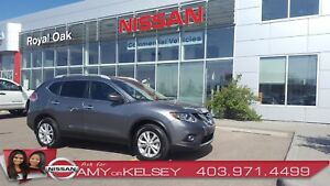 2016 Nissan Rogue SV AWD with Panoramic Moonroof