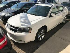 2008 Dodge Avenger R/T AWD (Leather, DVD, Sunroof & More)