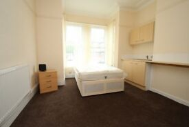 **BILLS INCLUDED** SPACIOUS, MODERN STUDIO TO LET ON COLENSO MOUNT, BEESTON, LEEDS**
